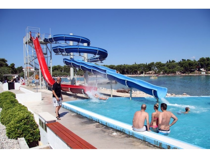 fabricant_toboggan_aquatique_plongeon